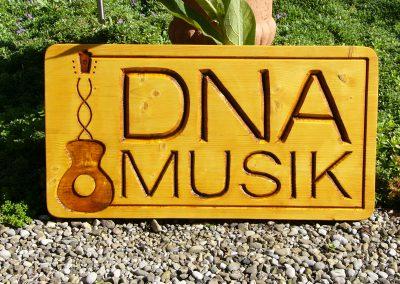 DNA Musik Firmenschild