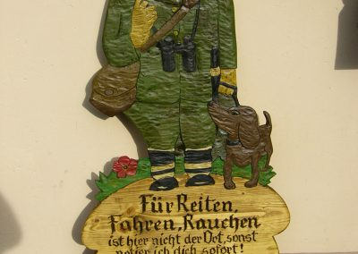 Forst Wald Jagd Spazierweg Holzschild geschnitzt