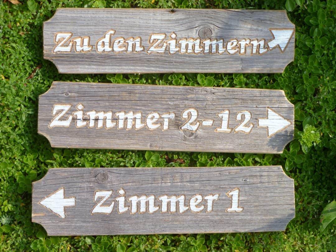 Altholzschilder für Hotel und Gaststätte