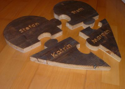 Holzpuzzle mit Namen Herz Altholz