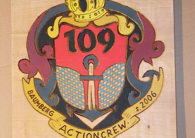 Actioncrew Baumberg Wappen aus Holz