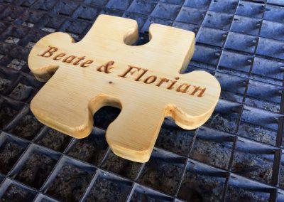 Puzzle aus Holz zur Hochzeit