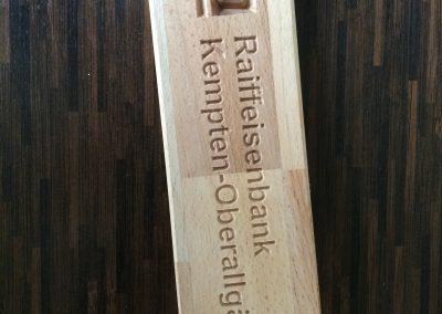 Raiffeisenbank Musterfräsung Holzschild