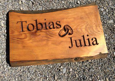 Tobias & Julia Hochzeitsschild aus Holz