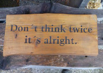 Spruch in Holz graviert, rustikales Holzschild