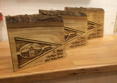 Optiliga Segelregatta Pokal aus Holz