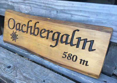 Oachbergalm, Gartenhütte, Stadl, Holzschild