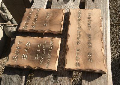 Holzschilder geflammt für Sauna und Bad