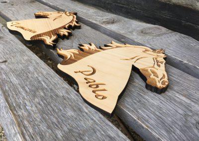 Pferdebox, Stallschild aus Holz