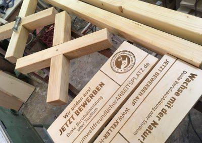Messeschild mit Standfuss, Holzschild