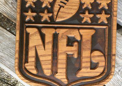 NFL-Logo aus Holz gefräst