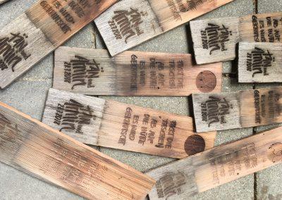 Holzschindeln als Einladungskarte