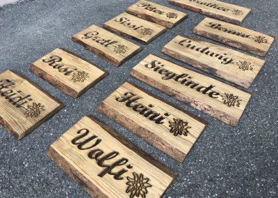 Ferienwohnung Namenschild aus Holz rustikal