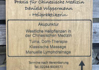 Holzschild für Praxis
