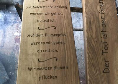 Fräsung in Grabkreuz
