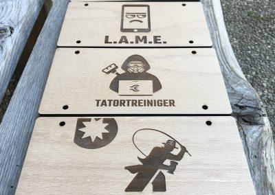 Logotafeln Holzgravur
