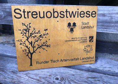 Streuobstwiese Landshut Holzschild