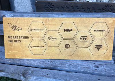 Rettet die Bienen - Holzschild mit Lasergravur