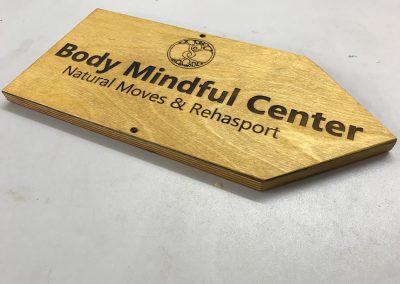 Body Mindful Center Firmenschild Wegweiser