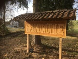Grundmühle Holzschild mit altem Schriftzug