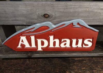 Appartement Chalet Ferienhaus Ferienwohnung Holzschild BeschilderungHotelbeschilderung Wegweiser aus Holz