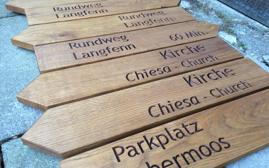 Wegweiser Holzschilder