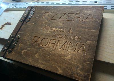 Holzbuch mit Fräsung