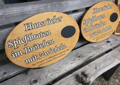 Angebotsschilder aus Holz